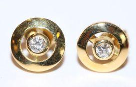 Paar 18 k Gelbgold Diamant Ohrstecker, zus. 0,20 ct., tw/si