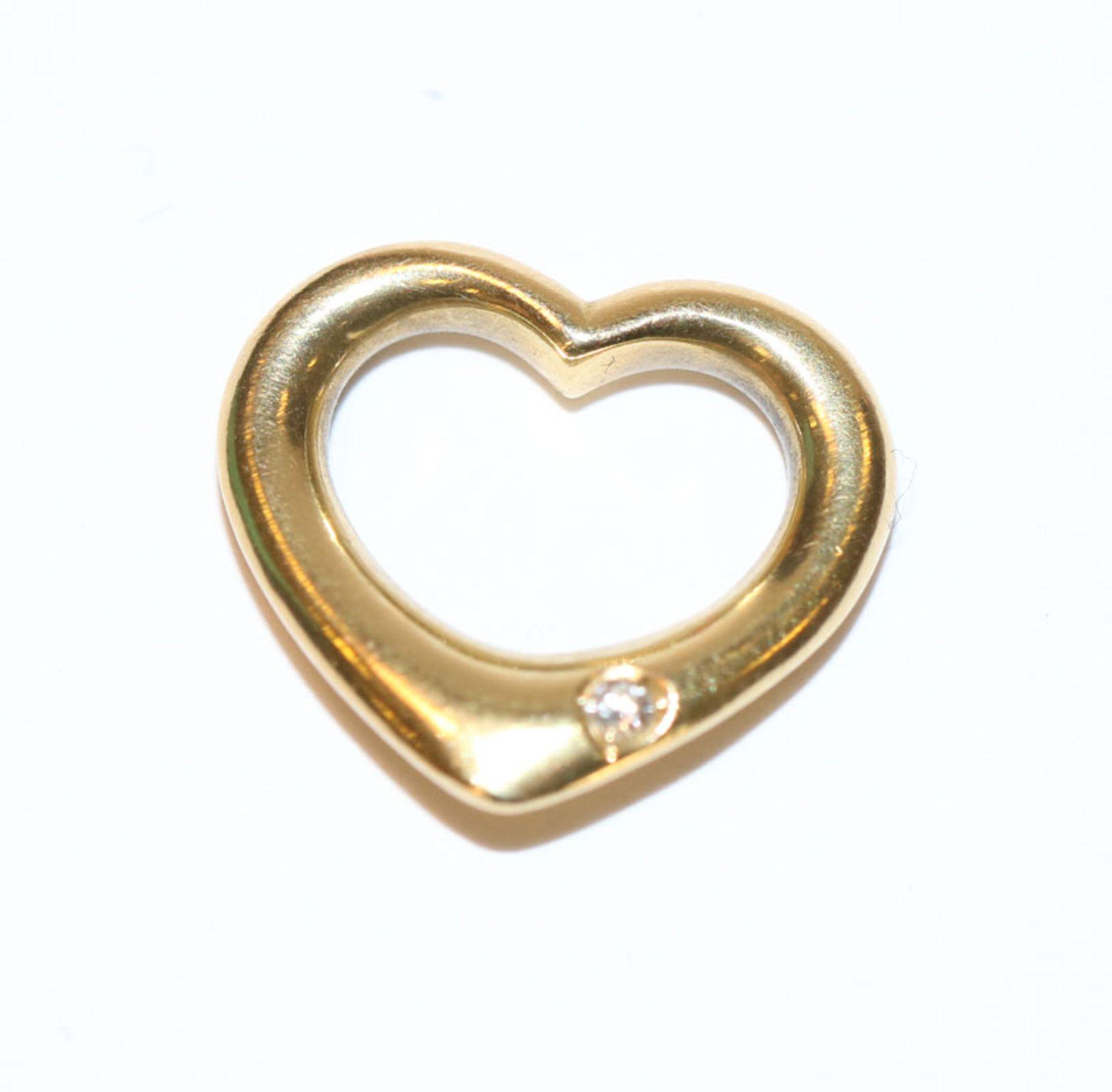 18 k Gelbgold Herz-Einhänger mit kleinem Diamant, 3 gr., H 1,5 cm