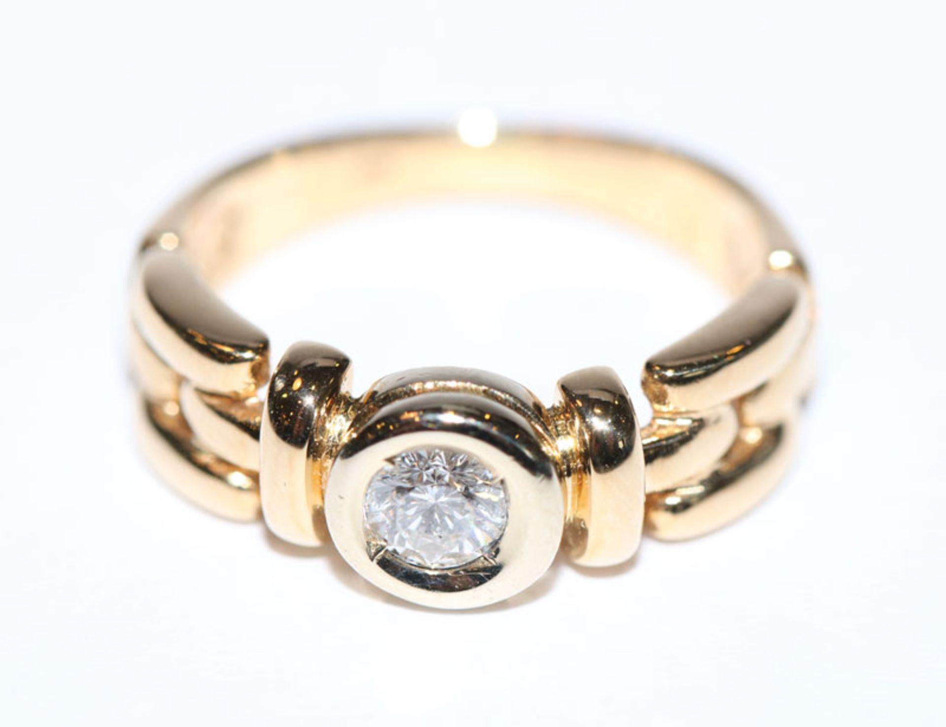14 k Gelbgold Ring mit in Weißgold gefaßten Diamanten, ca. 0,25 ct. wesselton, Gr. 52