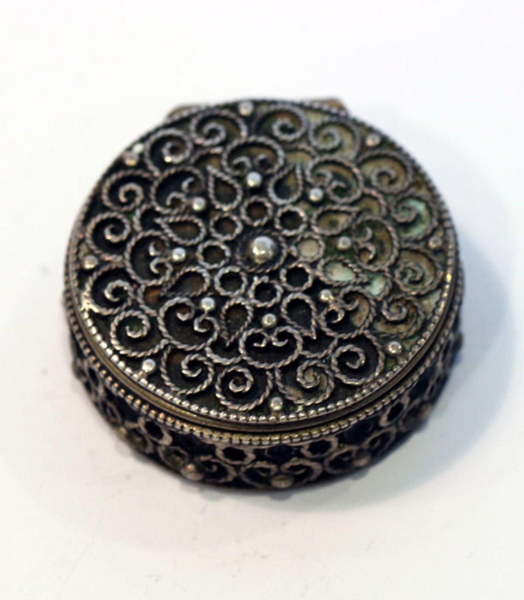 Los 14 - Döschen, 835 Silber, mit Reliefdekor, D 3 cm