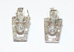 Paar Art Deco 14 k Weißgold Ohrstecker mit 40 Diamanten, um 1920/30, schöne Handarbeit