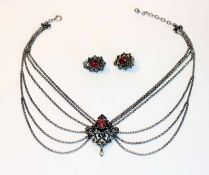 Trachten-Collierkette, 835 Silber, 6-reihig mit Rhodochrosit und kleiner Perle, L 32 cm, und Paar