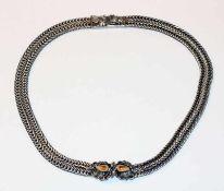 Silber Collierkette, 2-reihig, Mittelteil mit plastischem Eichenlaub und 2 Grandeln besetzt, L 37