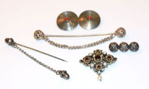 Silber Schmuck-Konvolut: 2 Trachten-Schürzenketten, kleine Brosche, B 3 cm, Brosche, teils vergoldet