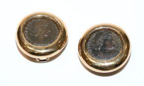Paar 18 k Gelbgold Ohrclips mit römischen Münzen, D 2,2 cm