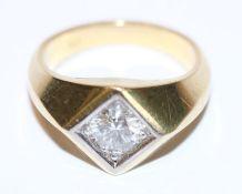 14 k Gelbgold Ring mit ca. 0,96 ct. Diamant, weiß vsi ?, in Weißgold gefaßt, Gr. 58