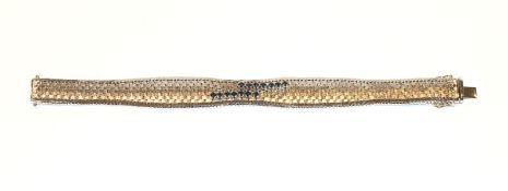 14 k Weißgold Armband in Flechtoptik mit 14 Safiren besetzt, 34 gr., L 19 cm
