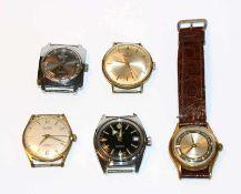 Konvolut von 5 diversen Herren Armbanduhren, eine mit braunem Armband, intakt, Tragespuren