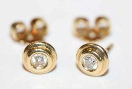 Paar 14 k Gelbgold Ohrstecker mit Diamant