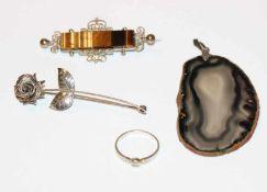 Silber Schmuck-Konvolut: Brosche in plastischer Rosenform, L 6,5 cm, Brosche mit Tigerauge, B 6