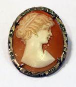 Silber Brosche mit Muschelgemme 'Damenportrait', H 3,5 cm