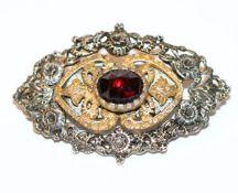 Massive Silber Brosche, teils vergoldet mit Granat, B 5 cm, schöne Handarbeit