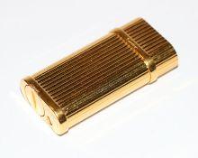 Cartier Feuerzeug, vergoldet, Gebrauchsspuren