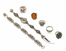 Silberschmuck-Konvolut: 5 diverse Ringe, Armband, L 16 cm, und Armbanduhr, L 16 cm