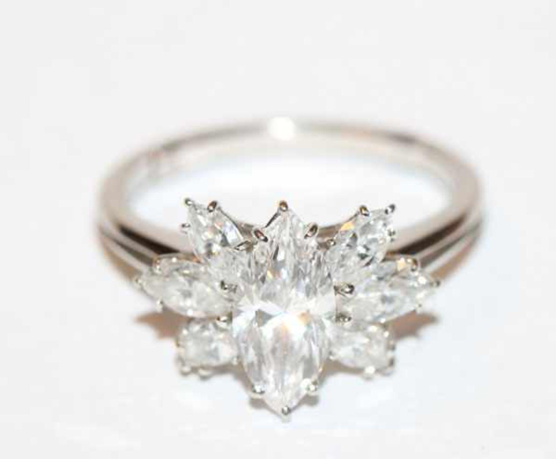 Platin Ring mit 7 Diamanten im Navetteschliff, zus. 2,4 ct., tw/vs, Gr. 53, klassische Handarbeit
