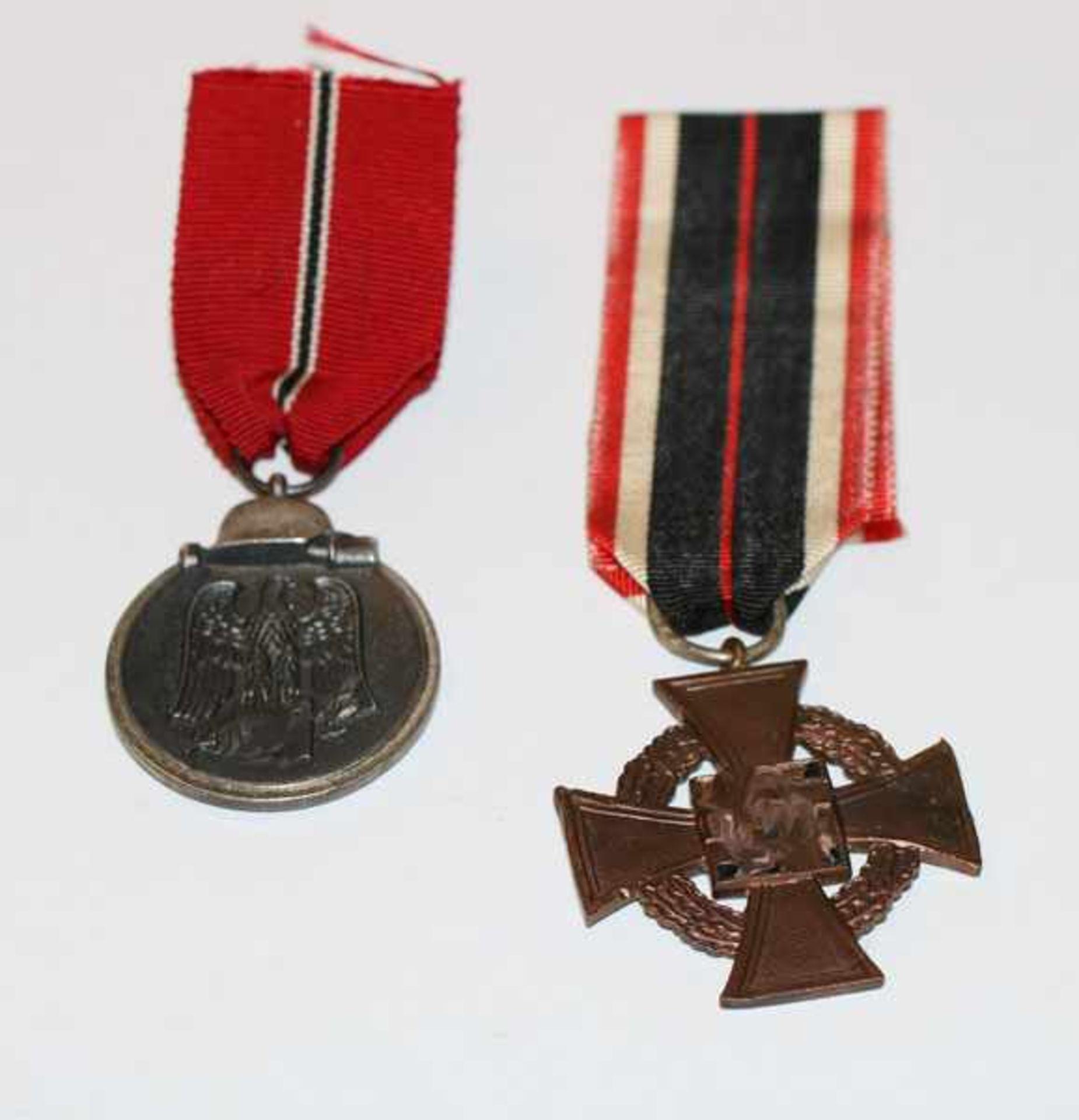 Verdienstabzeichen 2. Weltkrieg, beschädigt und Medaille Winterschlacht im Osten, beides am Band