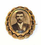 14 k Gelbgold Fotobrosche, verglast mit Facettenschliff, 6,6 gr., 4 cm x 3 cm, schöne Handarbeit