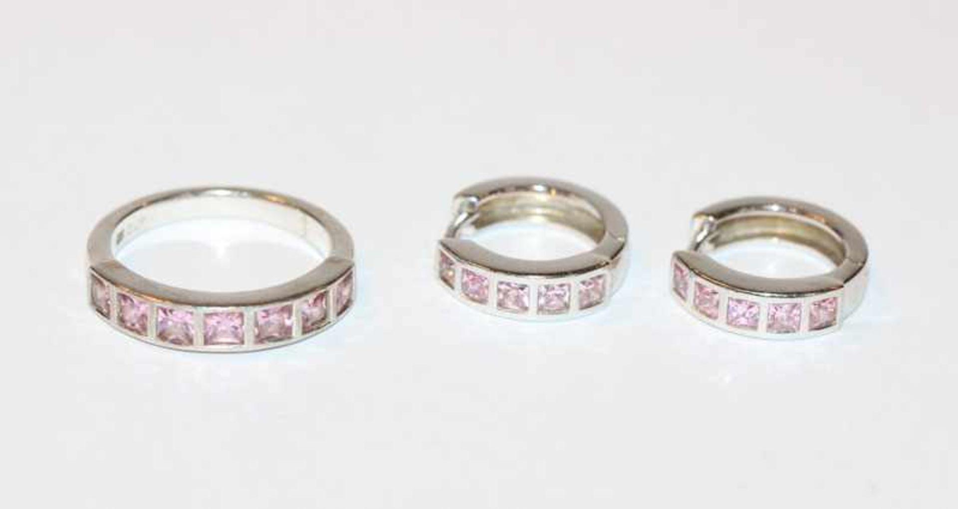 Los 42 - Paar Silber Creolen und passender Ring, Gr. 56, beides mit rosefarbenen Glassteinen