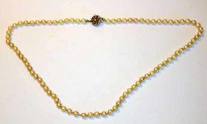 Perlenkette mit 835 Silberschließe, L 60 cm