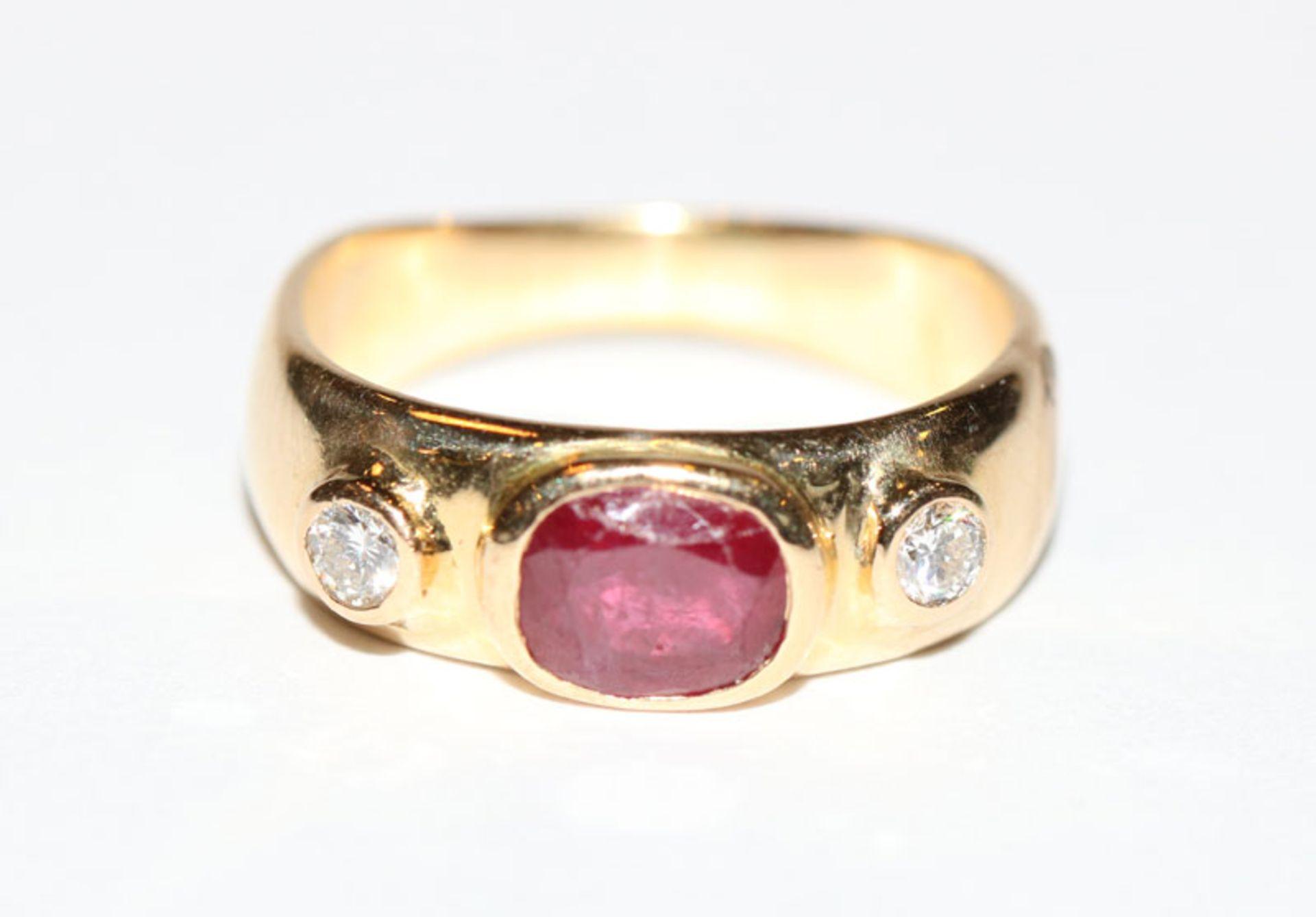 14 k Gelbgold Ring mit Rubin und 2 Brillanten,, Gr. 50, 4 gr.