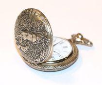 Metall Sprungdeckel Taschenuhr mit reliefiertem Gehäuse, Blumen- und Jagd-Dekor, intakt