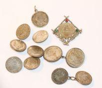 Silber-Konvolut: 6 Knöpfe, 2 Paar Westenknöpfe, Münzanhänger und gefaßte Münze, zus. 60 gr.,
