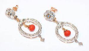 Paar dekorative 9 k Gelbgold/Silber Ohrstecker mit zus. 0,40 ct. Diamanten und je einer