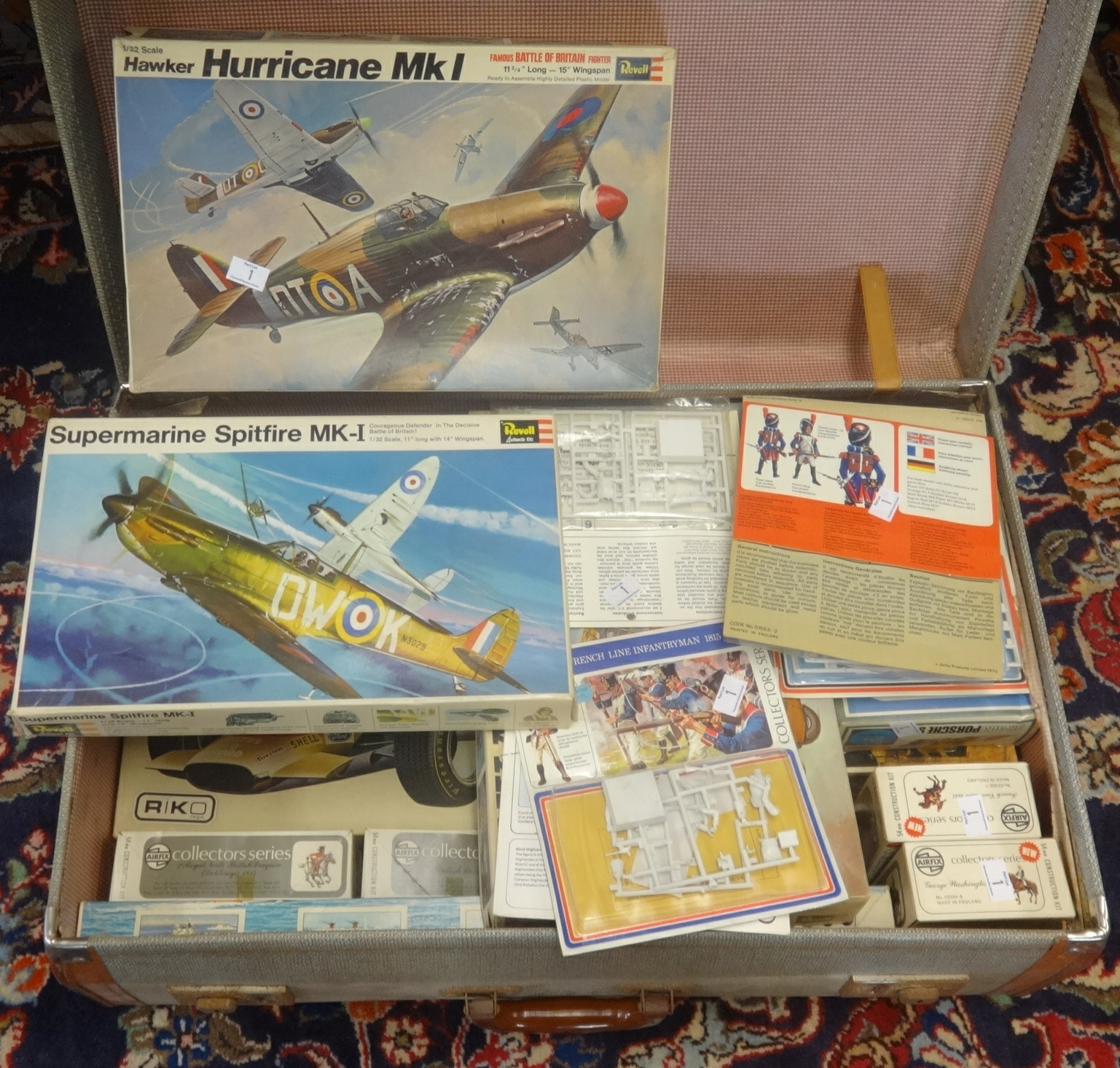 Lot 001 - A collection of various Revell scale model aircraft kits and also Airfix models including collectors