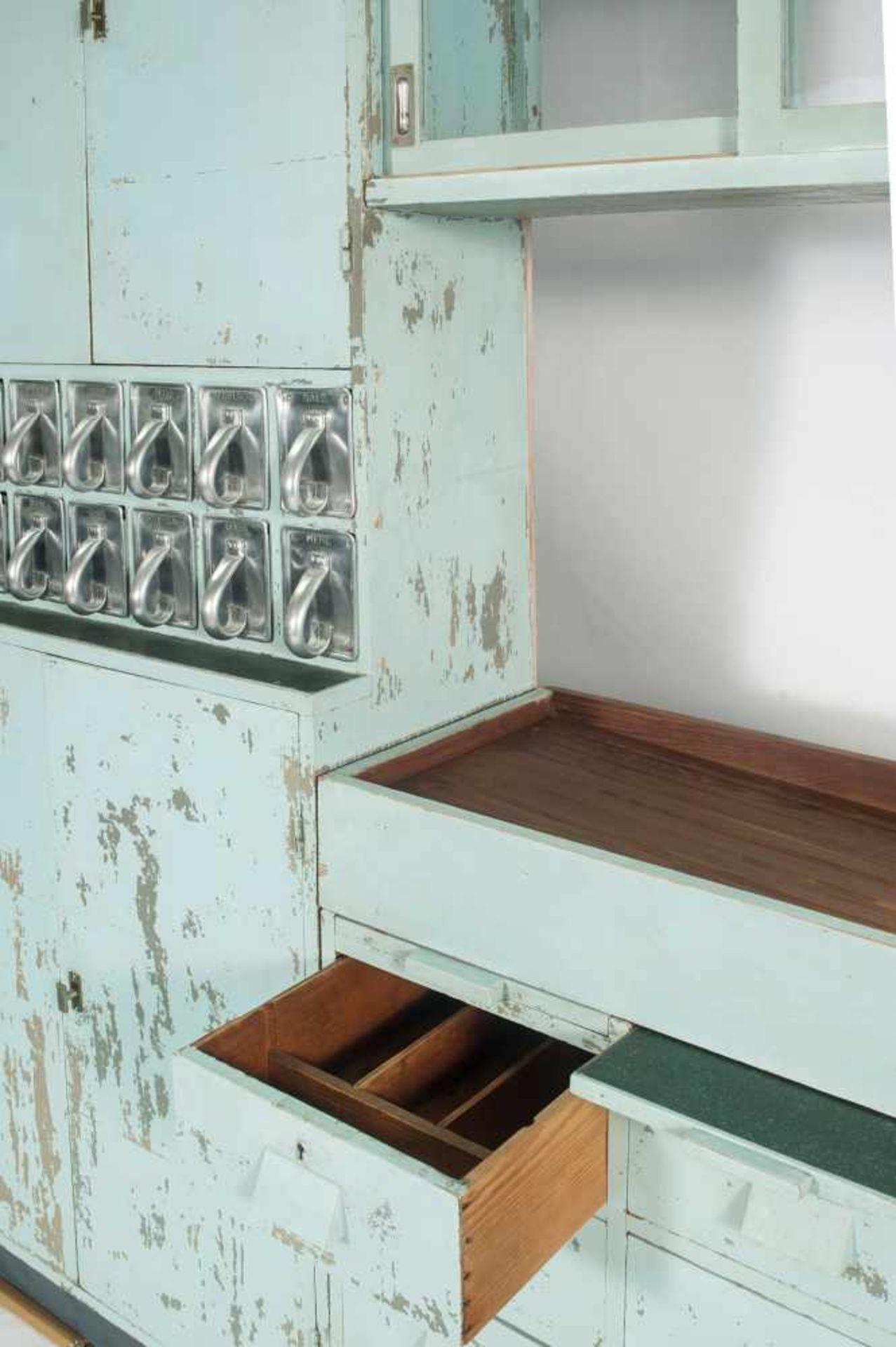 Margarete Schütte-Lihotzky'Frankfurter Küche' aus der Ernst-May Siedlung, Frankfurt Niederrad, - Bild 14 aus 20