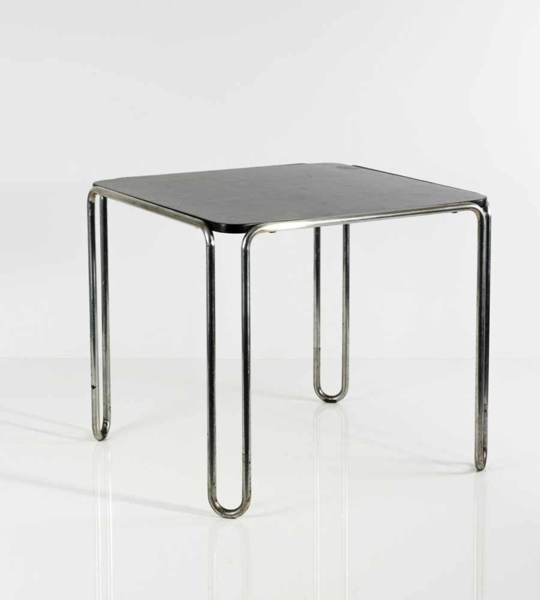 Los 8 - Marcel Breuer Tisch 'B 10', 1927 H. 66 x 75,5 x 75,5 cm; Rohr-Dm. 2,2 cm. Thonet Mundus,