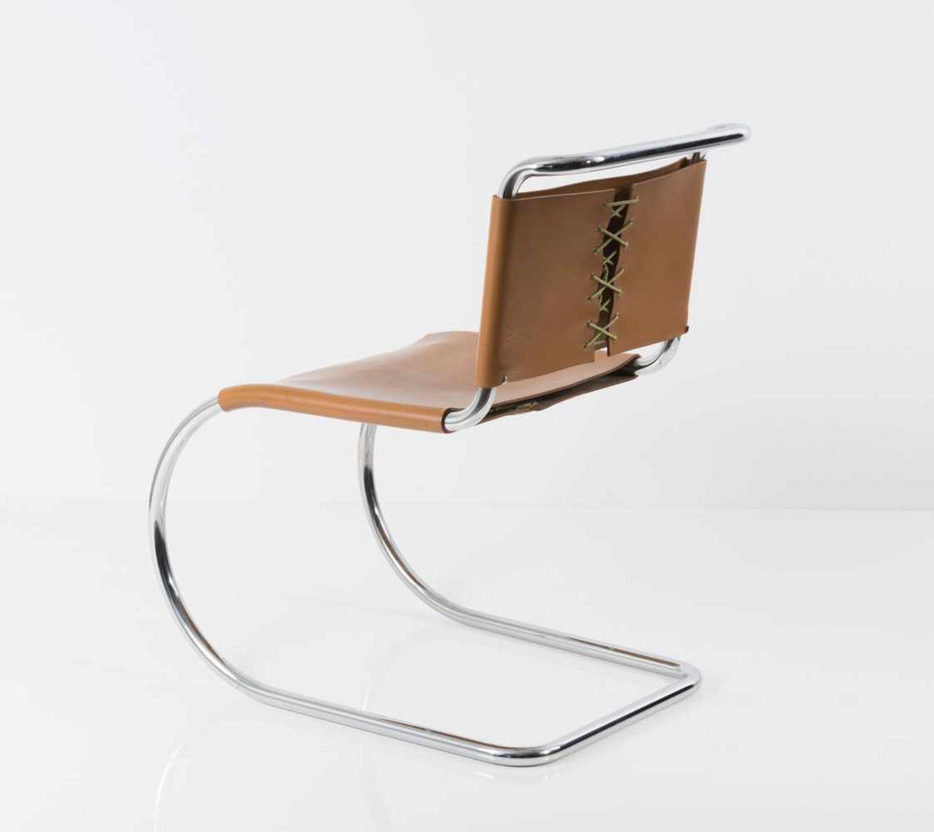Ludwig Mies van der Rohe Sechs Stühle 'MR 10', 1927 H. 79 x 49 x 71 cm. Knoll International, New - Bild 2 aus 5