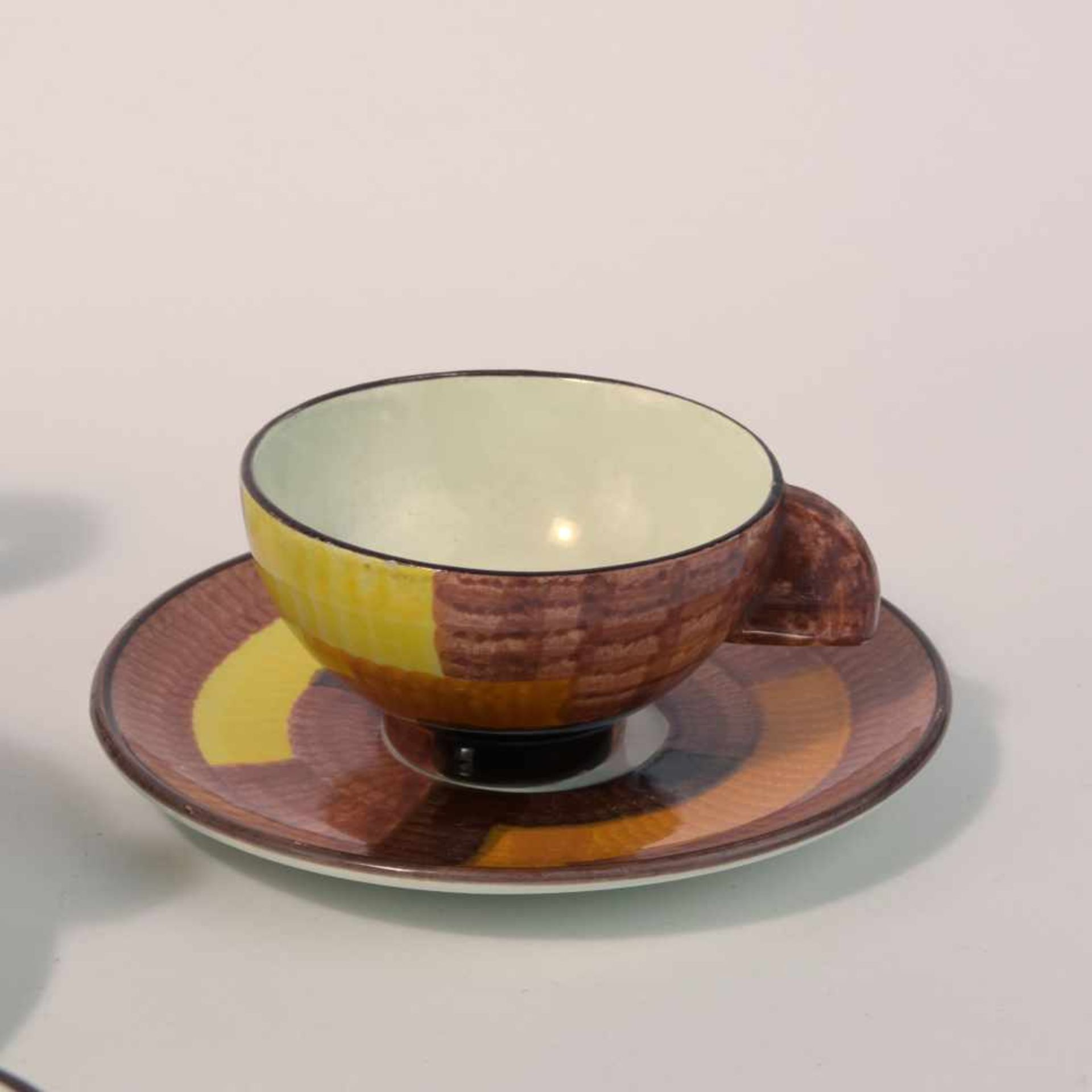 Los 20 - Eva Zeisel-Stricker Teeservice, 1928 Neun Teile. Teekanne: H. 13 cm; Milchkanne: H. 6,7 cm;