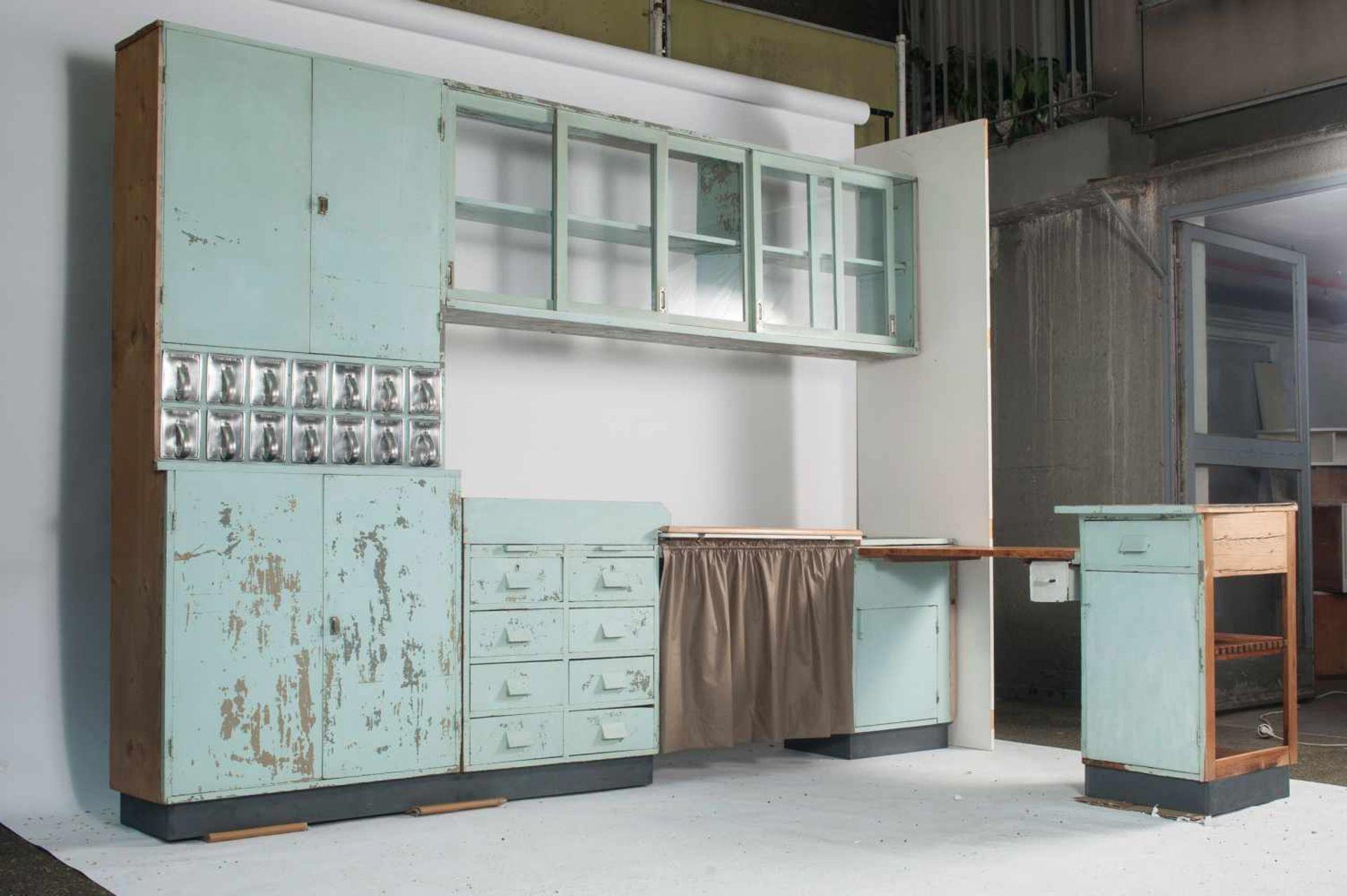 Margarete Schütte-Lihotzky'Frankfurter Küche' aus der Ernst-May Siedlung, Frankfurt Niederrad, - Bild 7 aus 20