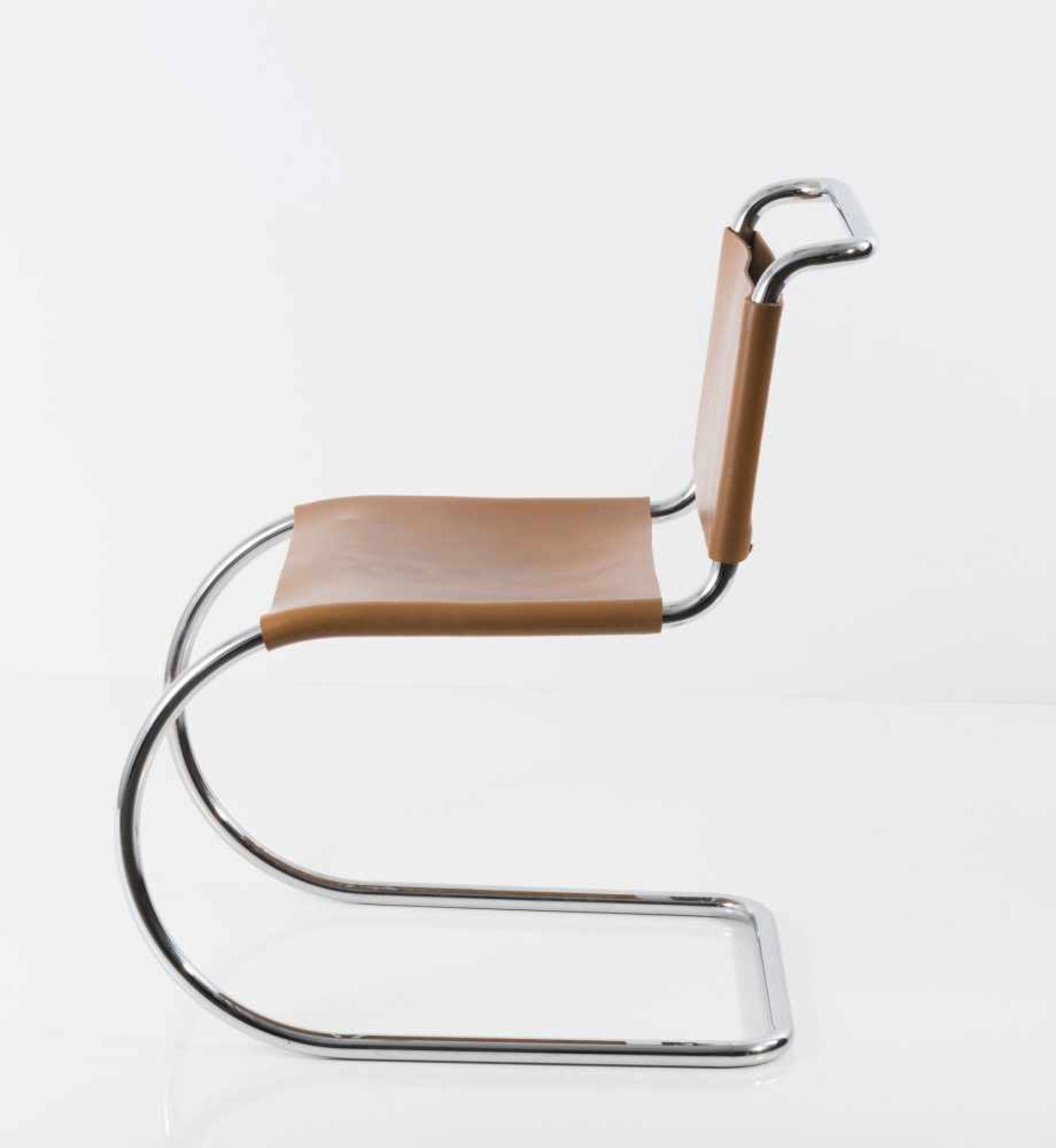 Ludwig Mies van der Rohe Sechs Stühle 'MR 10', 1927 H. 79 x 49 x 71 cm. Knoll International, New - Bild 4 aus 5