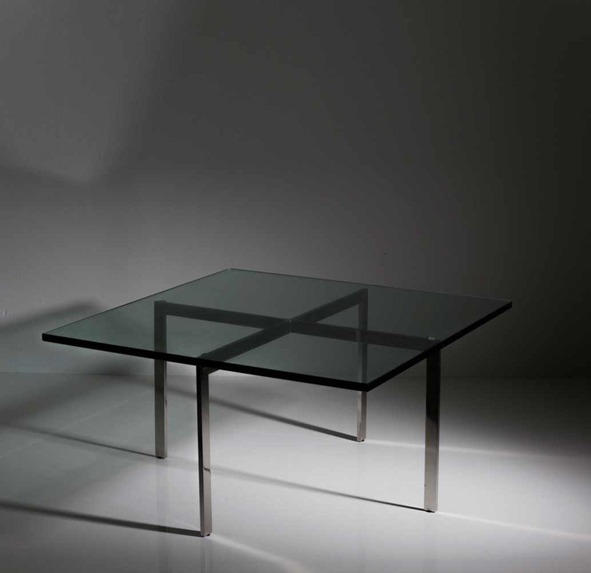 Ludwig Mies van der Rohe Zwei Tische 'Tugendhat', 1929/30 H. 43 x 86 x 86 cm. Knoll International, - Bild 4 aus 7