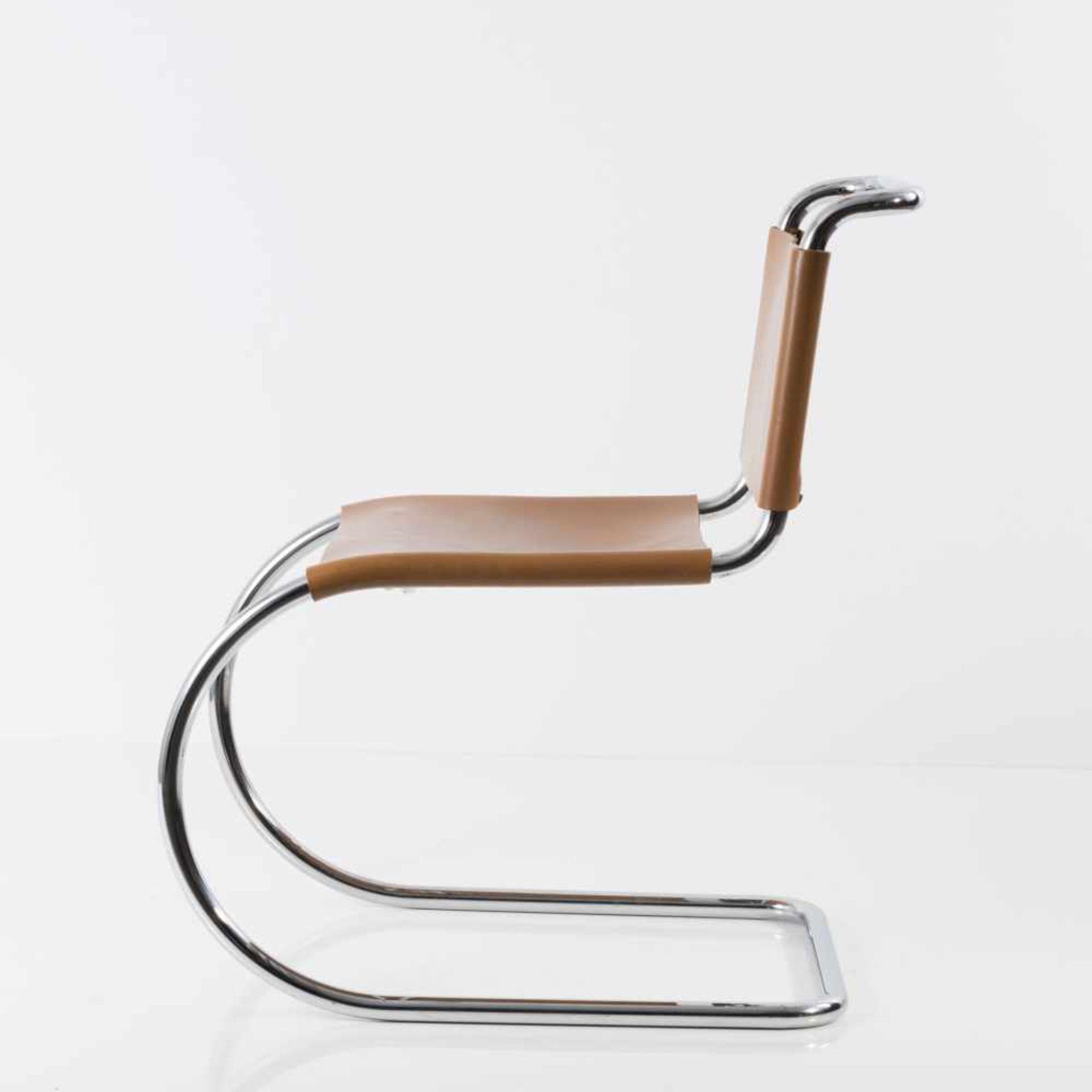 Ludwig Mies van der Rohe Sechs Stühle 'MR 10', 1927 H. 79 x 49 x 71 cm. Knoll International, New - Bild 5 aus 5