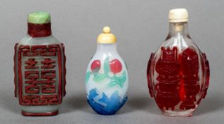 A Chinese Peking cameo glass snuff bottle With turned ivory stopper,