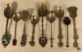 A bag of silver teaspoons etc