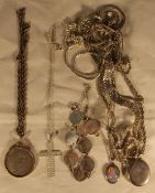 A quantity of silver jewellery