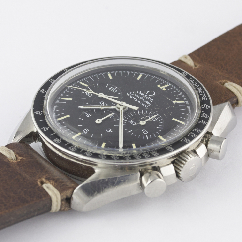 Lot 182 - A RARE GENTLEMAN'S STAINLESS STEEL OMEGA SPEEDMASTER PROFESSIONAL CHRONOGRAPH WRIST WATCH CIRCA