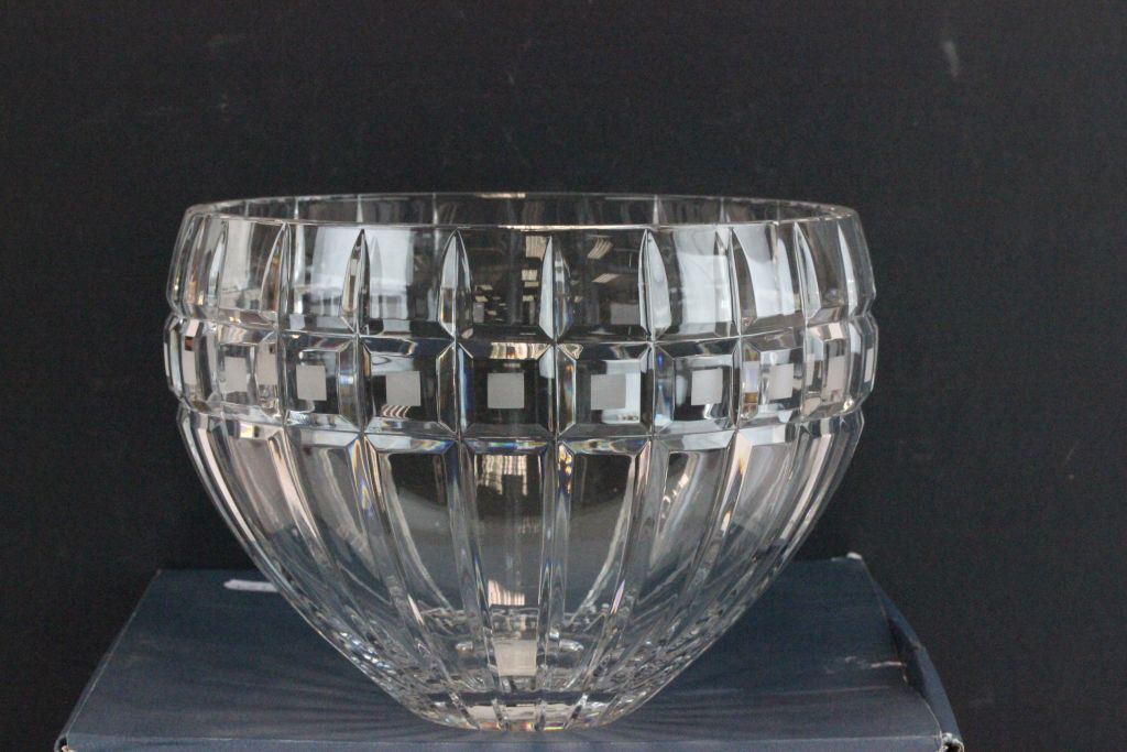 Lot 9 - Large boxed Waterford Marquis Crystal fruit bowl