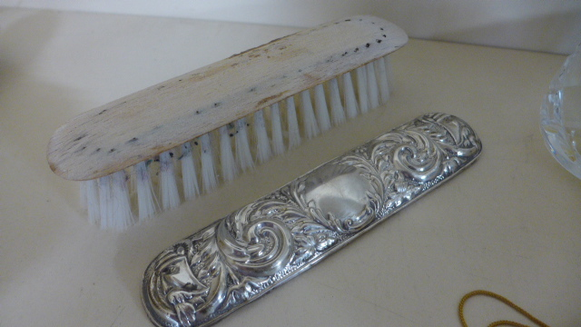 Lot 652 - A Silver Six Piece Dressing Table set by B & Co Birmingham 1991 - top loose to brush but all
