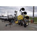 R&G Trail Blazer, 28% applicator, 850 gal. poly tank, 11 coulters, ground-driven, dual piston John