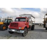 1992 International 4900, w/ Willmar 10-ton dry fertilizer bed, KSI SS-cleated belt conveyor,