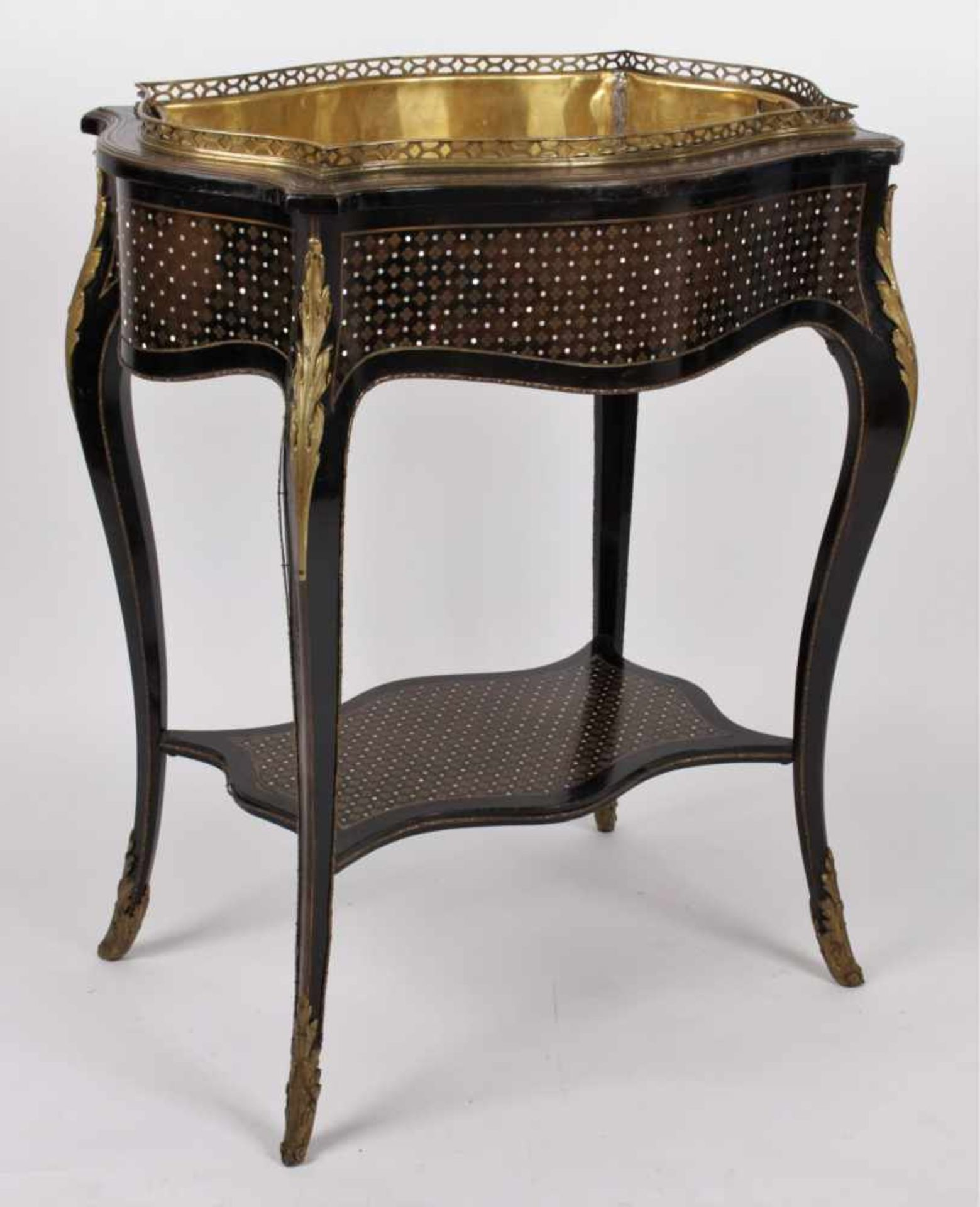 Los 39 - French flower table – marked Tahan France, Paris, marked Tahan, 19th century, flower table with
