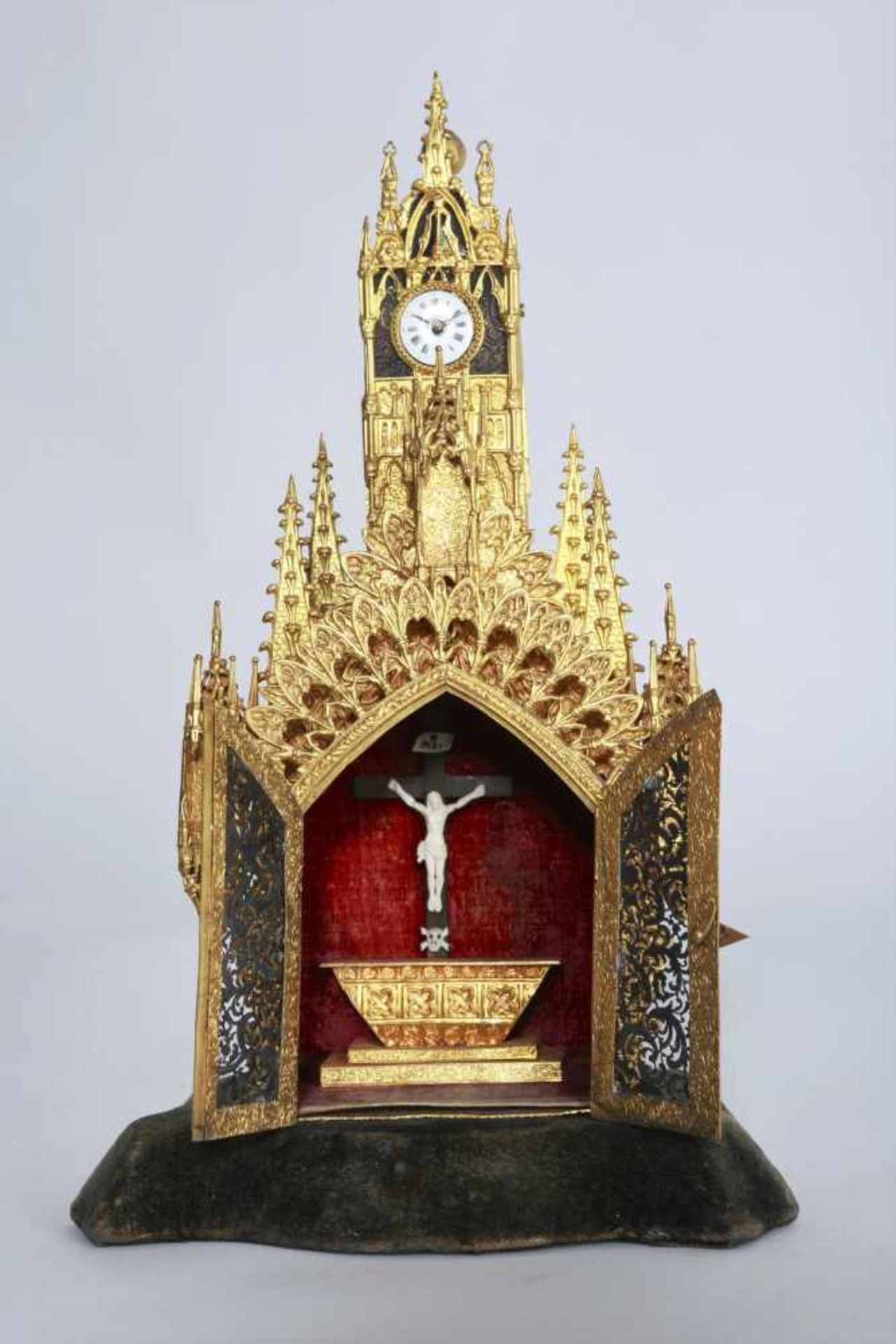 Los 30 - Austrian clock - church model Probably Bohemia, around 1830, case of gilded base metal, machine on