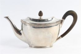 Zilveren theepotje, 19e eeuw, Hollands gekeurd.