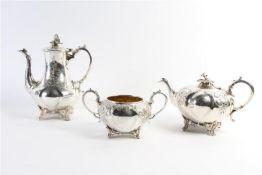 Set van verzilverde koffiepot, theepot en suikerpot, 19e eeuw.