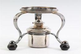 Zilveren koffiepotbrander, 1e gehalte, Hollands gekeurd. Gewicht: 215 g.
