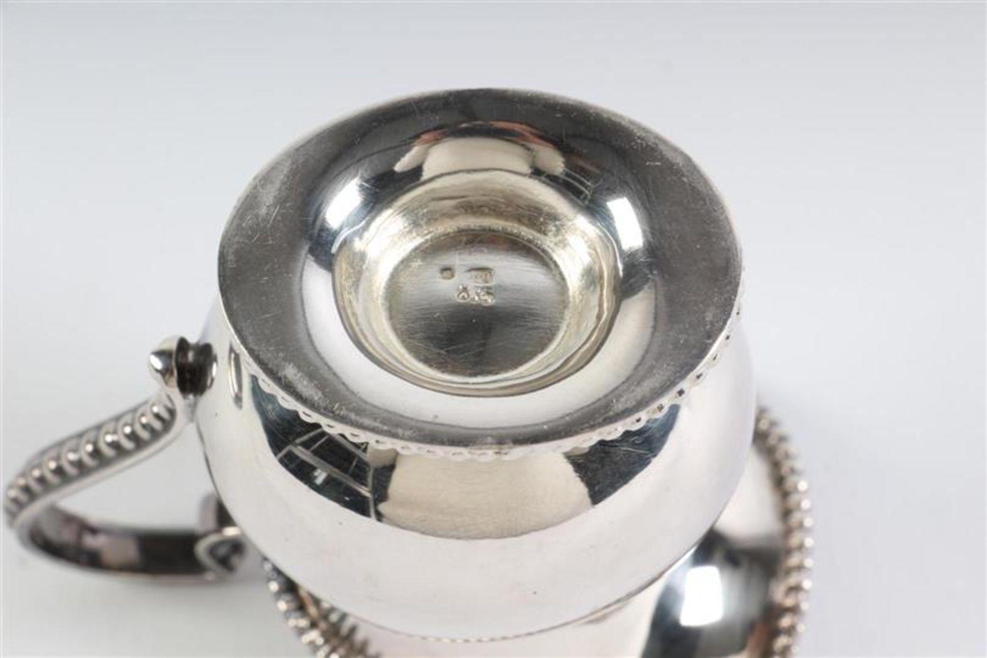 Driedelig zilveren roomsetje met parelrand. L: 18.5 cm. Gewicht: 293 g. - Bild 3 aus 5